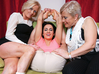 Three Old And Young Lesbians Go Wild On The Couch - MatureNL big ass big tits cunnilingus video